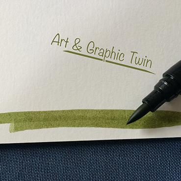 Zeichne zuerst die Wiese mit dem grünen Pinselstift. Ich hatte Nummer 057.